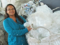 Woman in waste shows us how