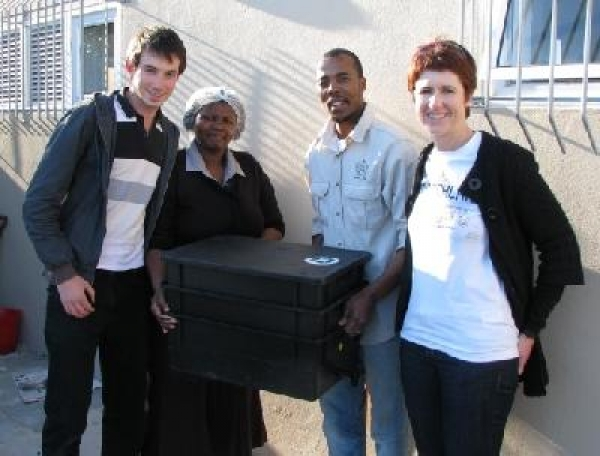 worm-bin-donated-to-nourish-food-gardens