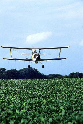 poison-areal-crop_spraying