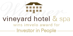 vineyard hotel_banner_green