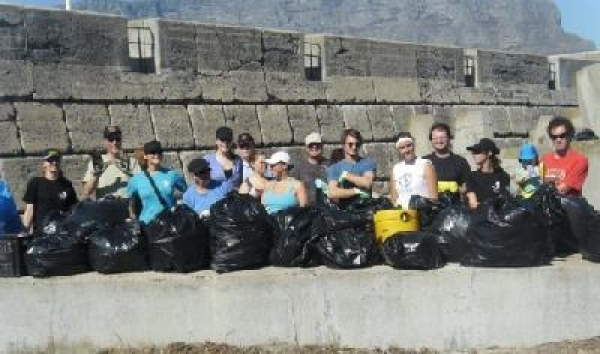 sea-shepherd-tackles-waterfront-beach-mess
