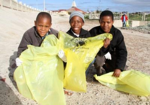 100-bags-of-rubbish-collected-at-monwabisi-beach