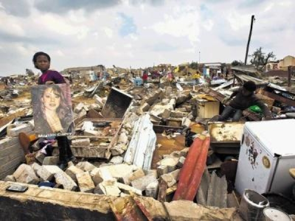 r2-million-aid-for-tornado-victims
