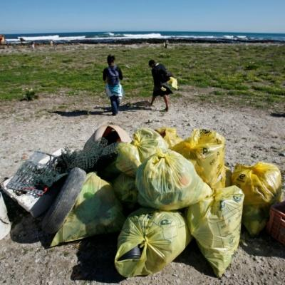 muizenberg_beach_clean-up_green2