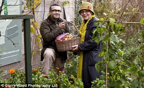 UK towns homegrown veggies a lifesaver -2