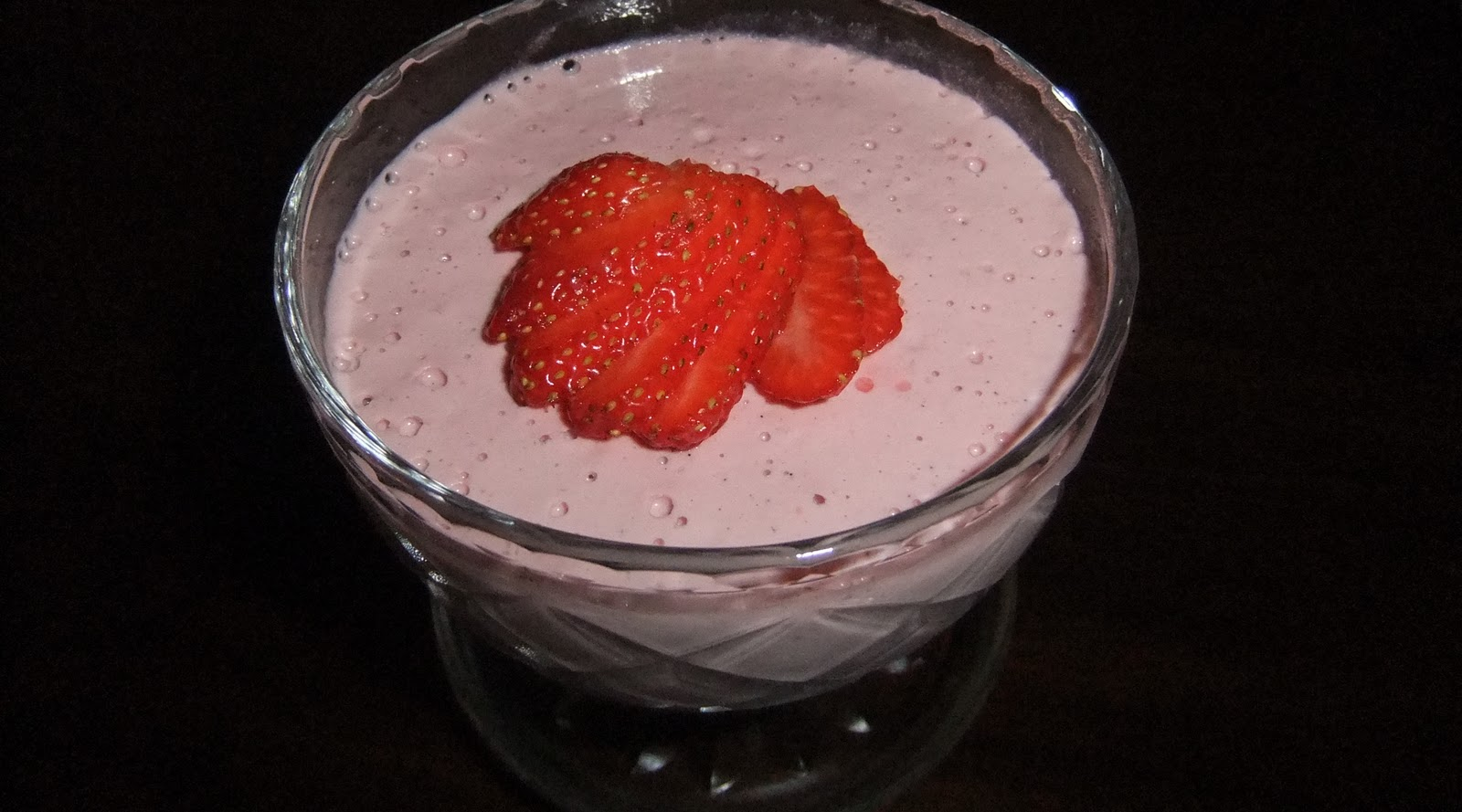 Raw Strawberry Mousse