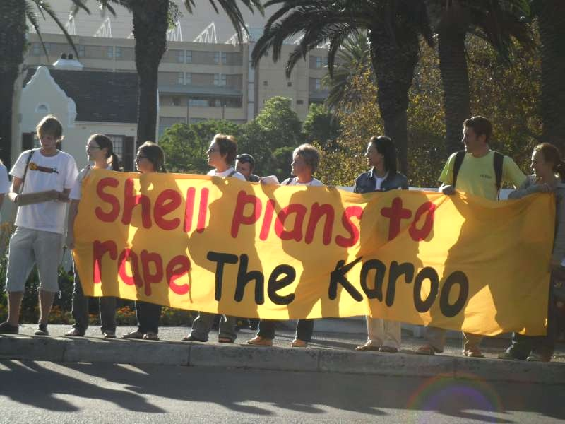 Shell frack Karoo protest ANC trust stands to gain -1