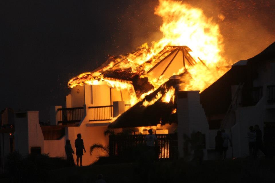 St Francis Bay Fire - ablaze2