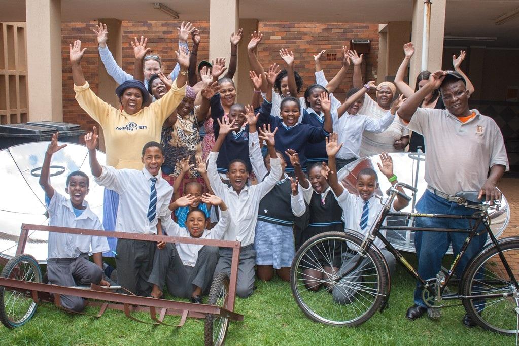 solar cooker bikes to help Sowetans -2
