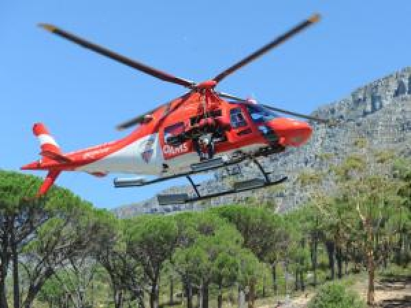 heat-afflicted-tourists-airlifted-from-table-mountain