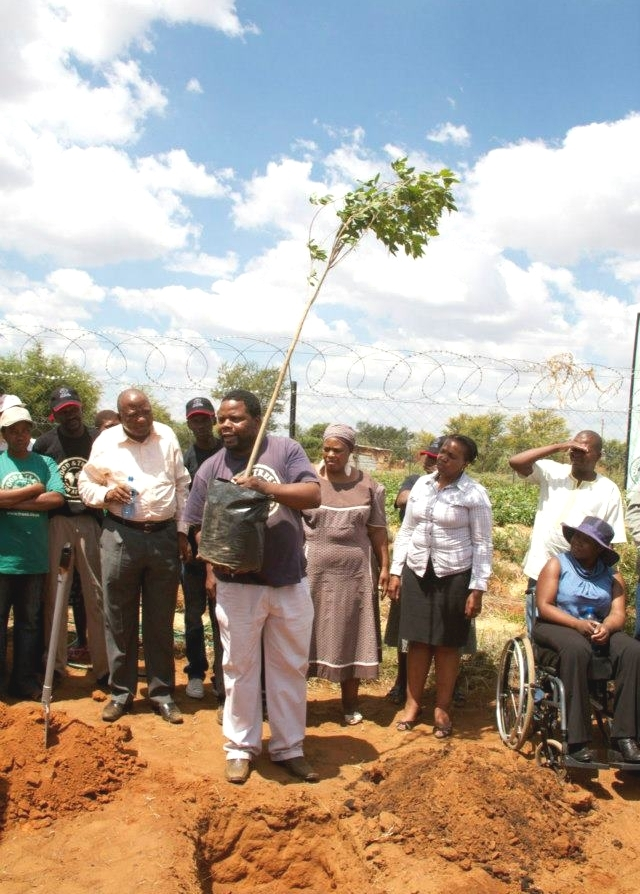 launch of the Mangwana Day Care Centres permaculture food garden-2