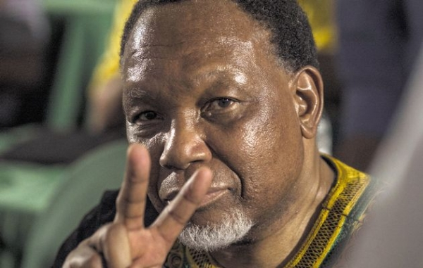 training-key-to-green-economy-says-motlanthe