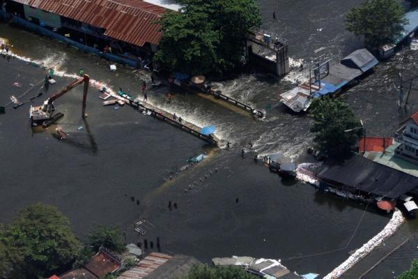 bangkok-braces-for-more-floods
