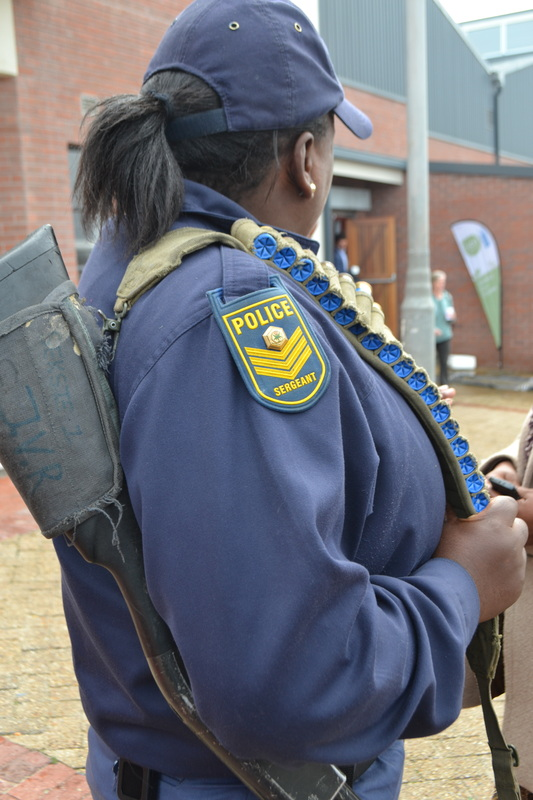 flung dung khayalitsha - policewoman