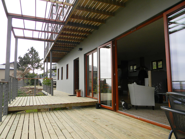 hemp-house-balcony