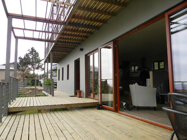 hemp-house-balcony