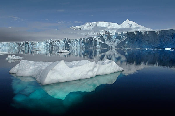 antarctic-ice-shelves-melt-from-below