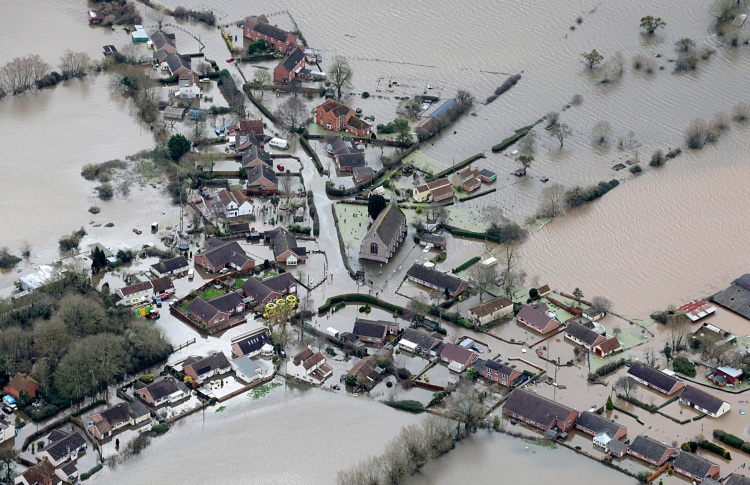 floods underwater in somerset uk