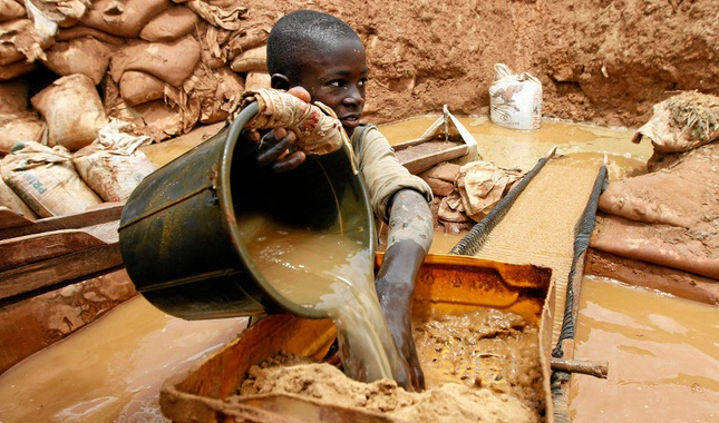 Illegal mining Nigeria poison poverty1