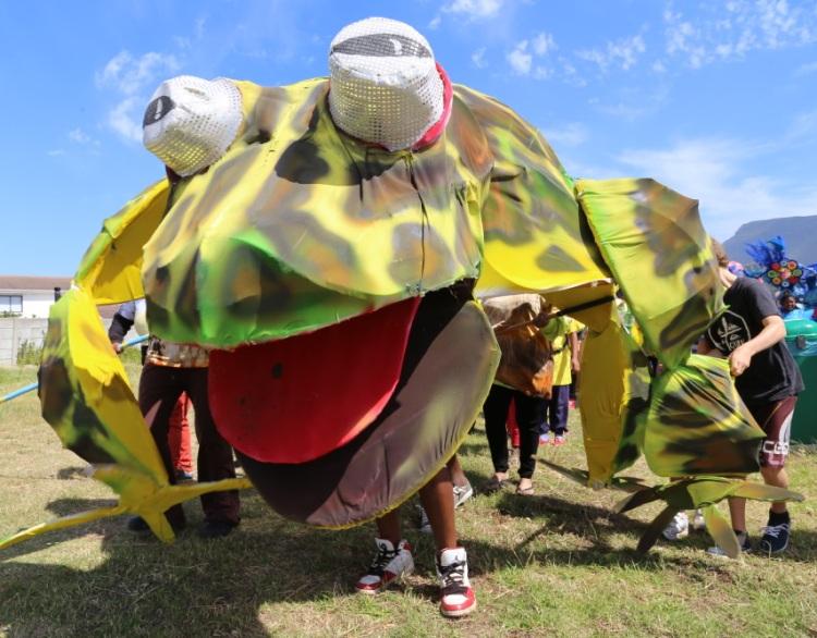 Imagine Princess Vlei - giant leopard toad puppet