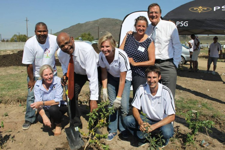 L to R - Gerald Esau of Stellenbosch Municipality, Louise Duys of the Wildlands Conservation Trust, honourable Mayor Conrad Sidego, Karen Rimmer of PSG with Johan Calitz of PSG, Lydia Willems of Leaf a Legacy and Councillor Pietman Retief.