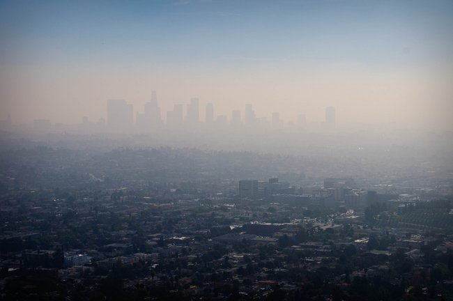 Flickr / CC by - SA 2.0 (Smog over LA)