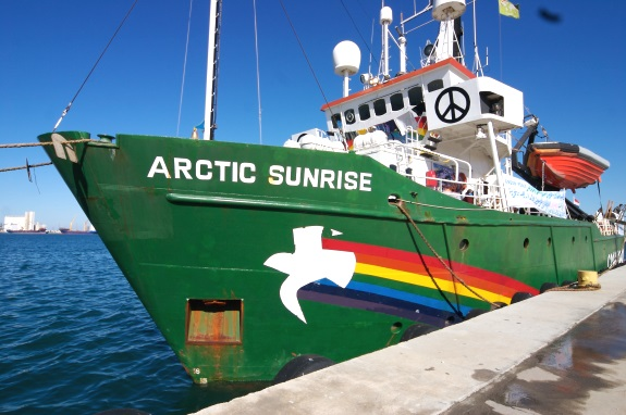 Pete_Willcox_Greenpeace_Arctic_Sunrise2