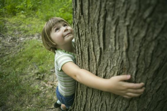 girl tree hug