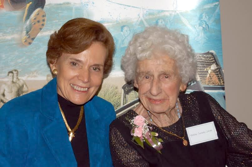 Sylvia Earle with Marjorie Courtenay-Latimer, the discoverer of the East London coelacanth