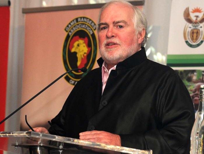 Dr Larry Hansen