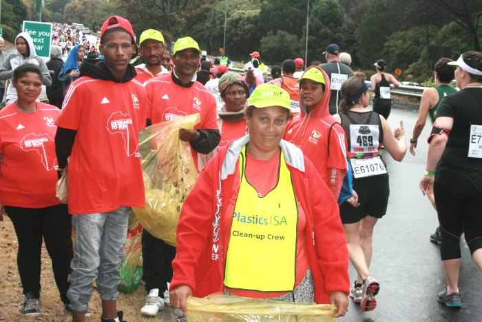 Plastics SA Clean Up Two oceans marathon clean up crew