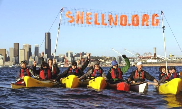 Seattle kayak Shell Arctic oil drilling protest2