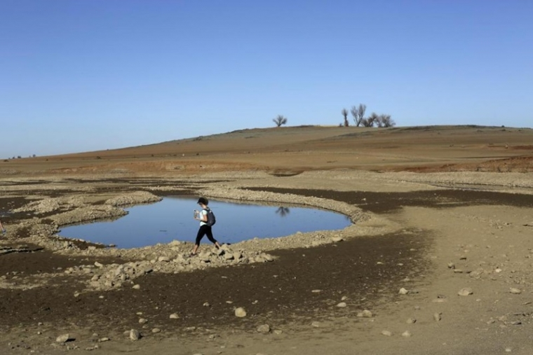 california-drought-climate-change-jogger-folsom-people