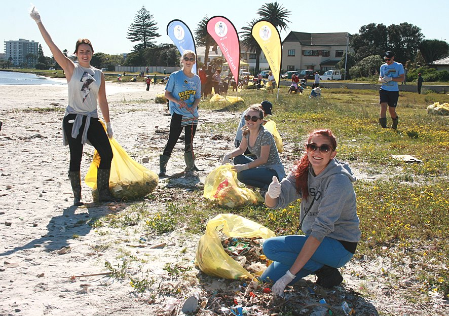 Coastal Clean Up 2015 Plastics SA (6)