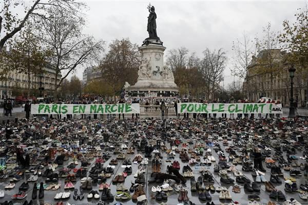 global-climate-march-paris_protests-cop21-b