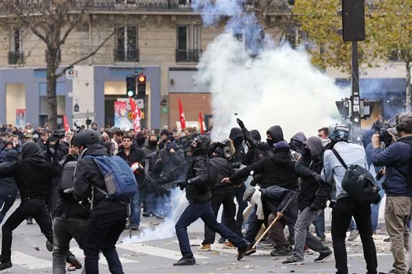 global-climate-march-paris_protests-cop21