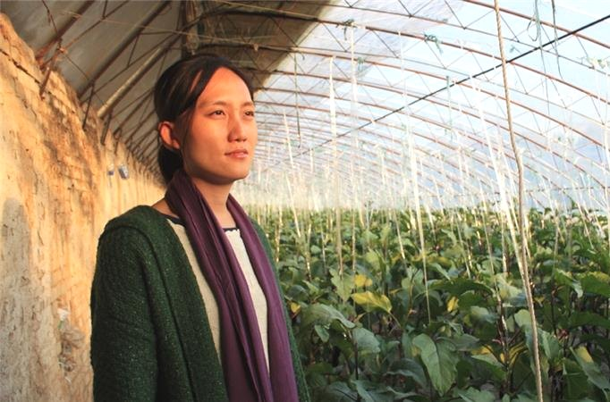 farming vegetables china organic woman agriculture