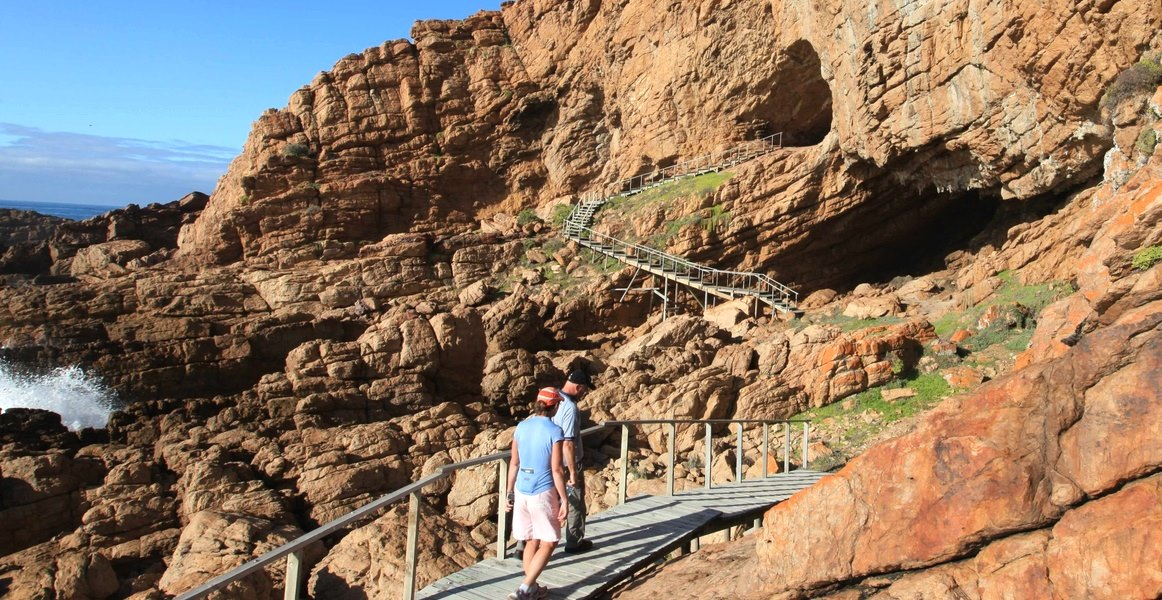 pinnacle point origin mankind mossel bay cave Shaen Adey (2)