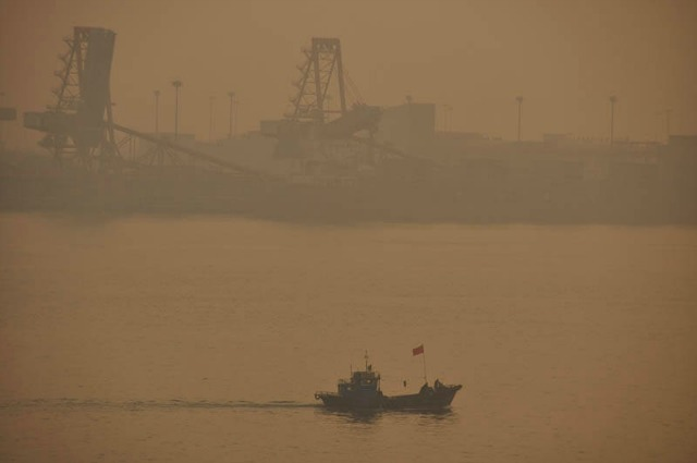 smoggy day in Tianjin, China