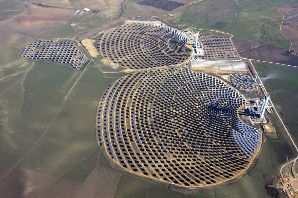 chile-renewable-energy-giving-away-abengoa-solar-plant