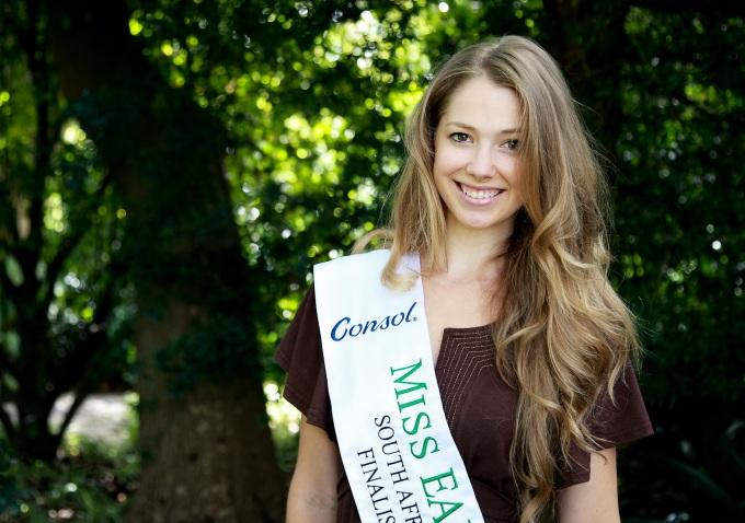 Miss Earth 2 Kim Senogles at the Western Cape Regional programme