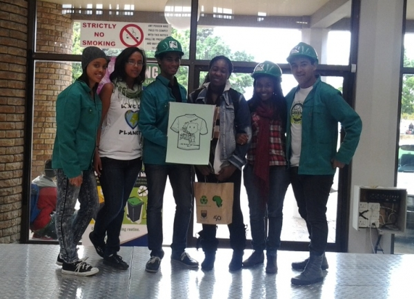 greening-the-bush-students-in-free-enterprise