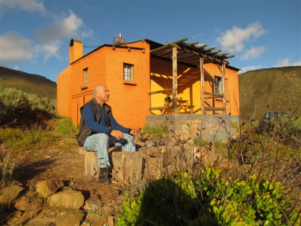 home-to-chill-off-grid-in-the-koo-valley