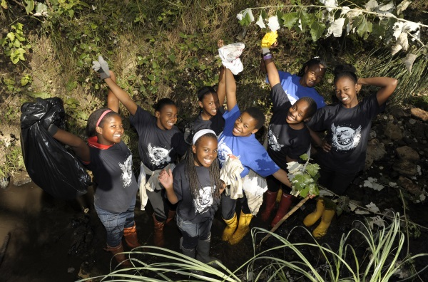 miss earth community cleanup -1