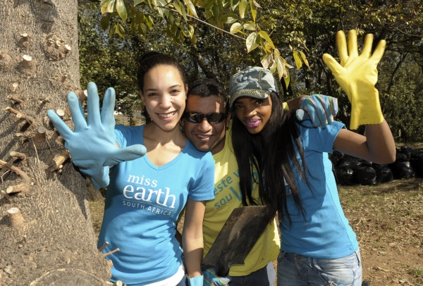 miss earth community cleanup -2