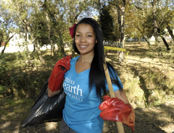 miss earth community cleanup -3