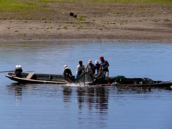 world fish migration day amazon 4 fishermen