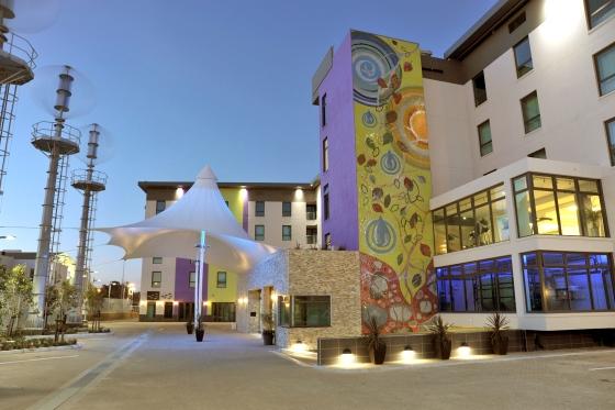 Renewable energy training Hotel Verde