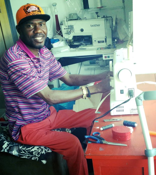 I-Scream and Red wheelchair bound bag maker