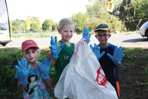 Young volunteers cleaning rivers